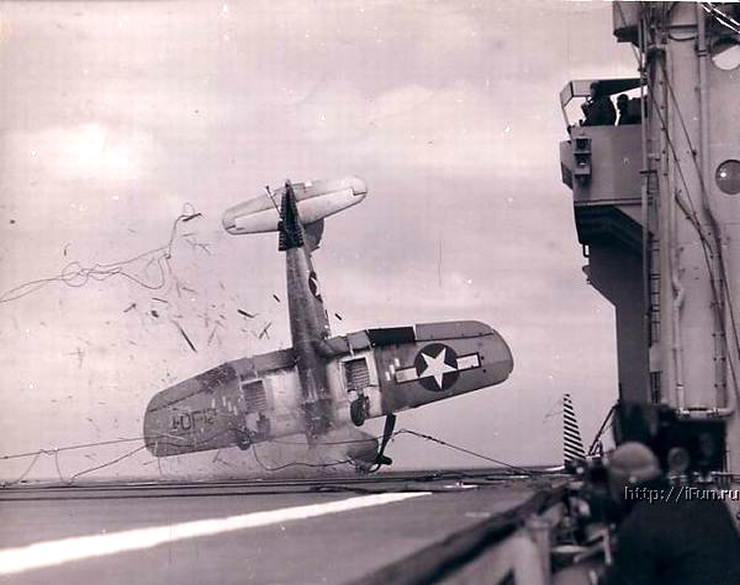 plane crash on aircraft carrier