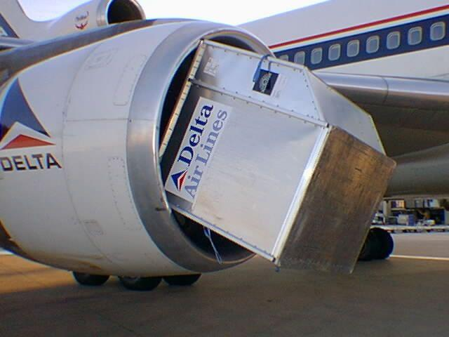 delta l1011 cargo container into engine