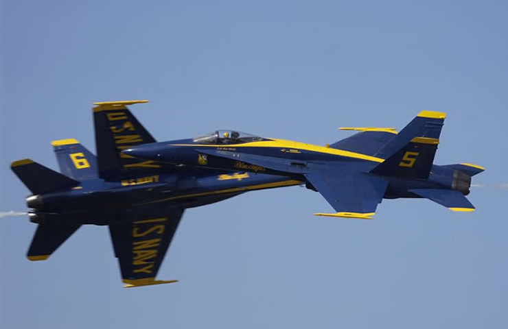 blue angels: F-18 High Speed Pass