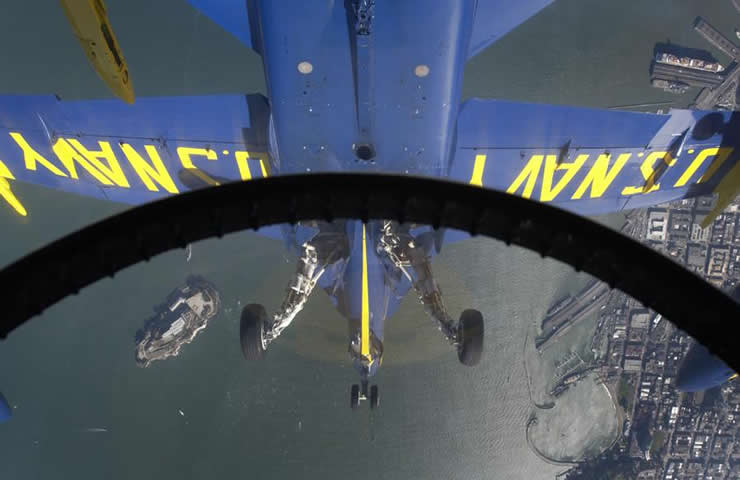 blue angels f18 pilot view
