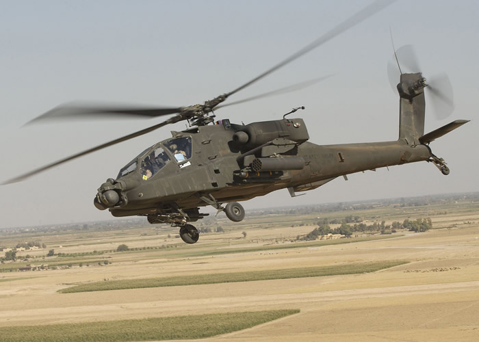 Boeing AH-64 Apache Longbow over Iraq