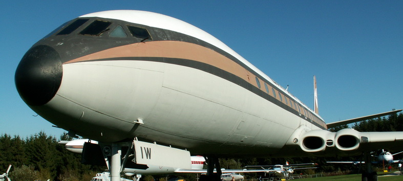 de havilland comet dh-106 airplane on display