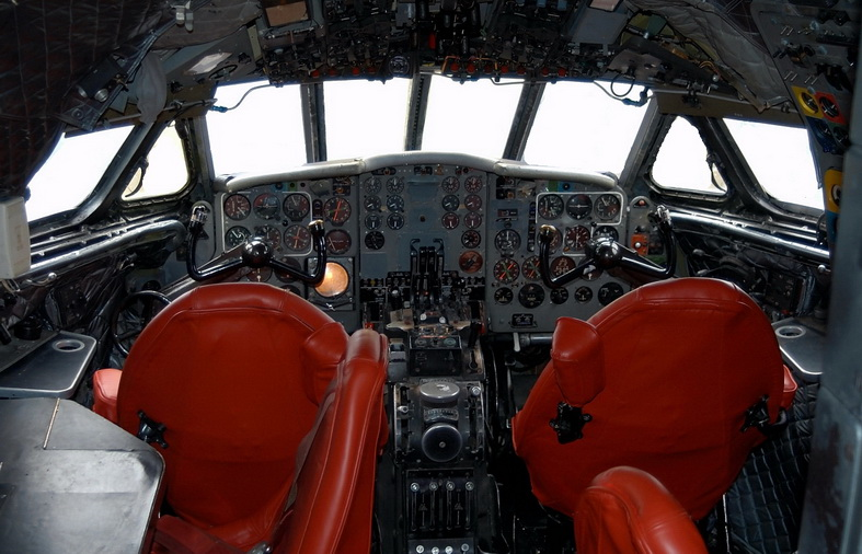 de havilland comet dh-106 airplane cockpit image