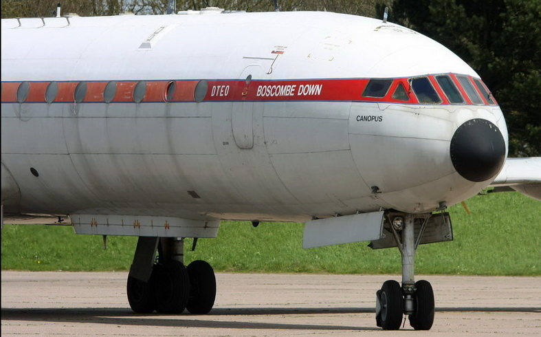 de havilland comet dh-106 airplane jet