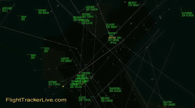 Air Traffic Control Screen - Flight Tracker Live