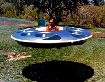 aircraft saucer hovers