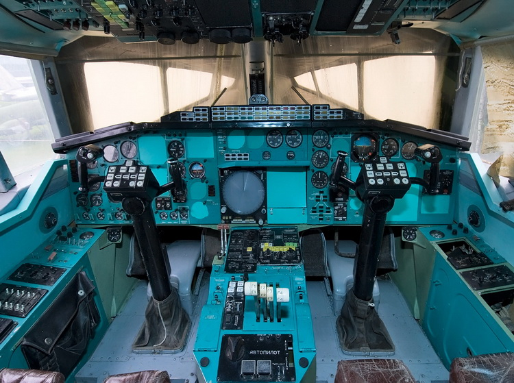 TUPOLEV TU-144 SUPERSONIC AIRCRAFT COCKPIT