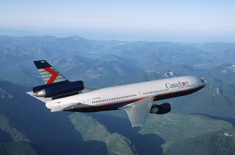 Canadian Airlines DC-10