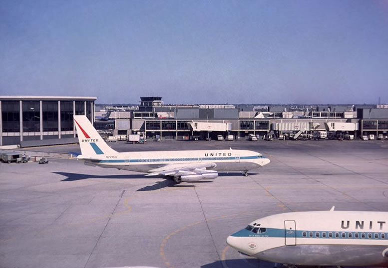 United Airlines Boeing 720 and 707 Airliners