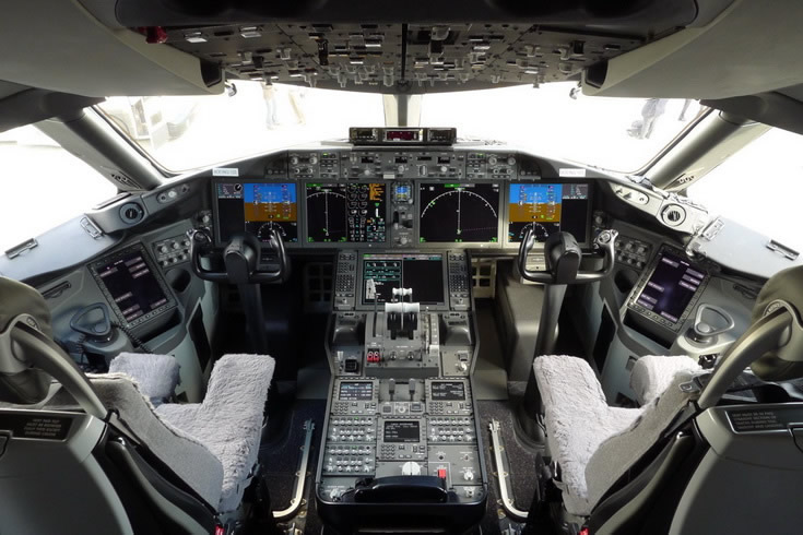 Boeing 787 Airliner Cockpit Photo