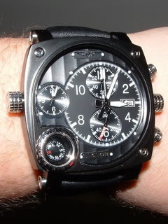 large pilots watch
