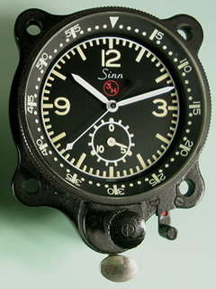 aviation airplane flight instruments watch