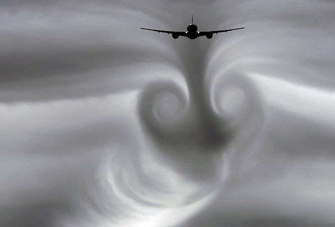 boeing 777 wake turbulance and vortex effects