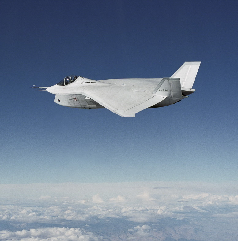 boeing x-32 in flight