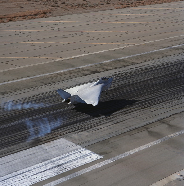 boeing x-32 flight testing