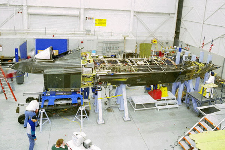 boeing x-32 being built