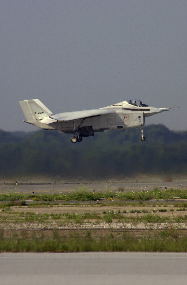 boeing x-32 taking off vertical