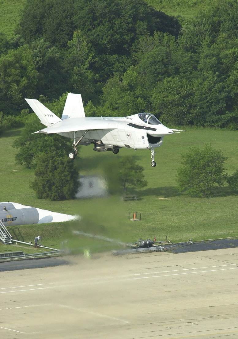 boeing x-32 vertical flight test
