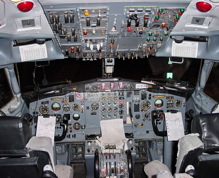Boeing 727 Cockpit Photo