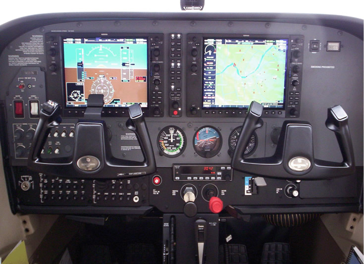 cessna cockpit photo