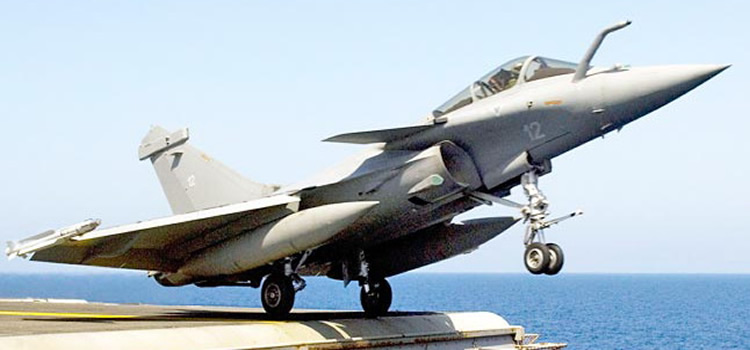 rafale takeoff from aircraft carrier