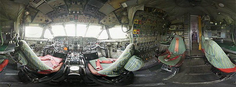 Comet 360 view of the cockpit