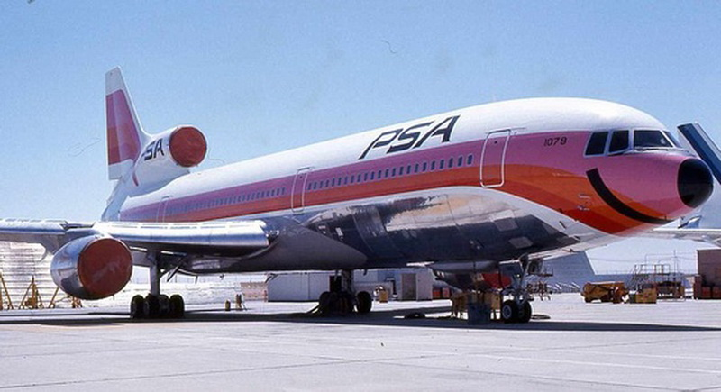 smiling psa airlines lockheed l-1011