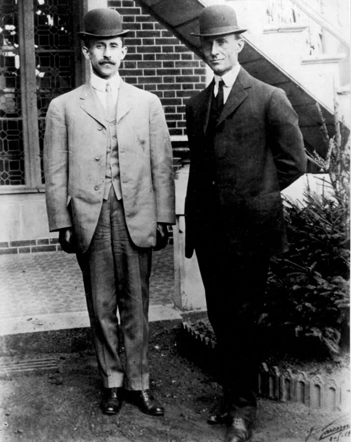 photo of the wright brothers